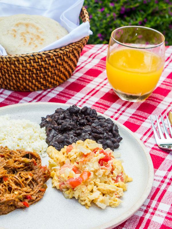 Desayuno Criollo